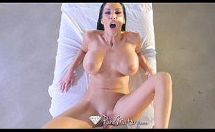 Video sexo comendo a peituda safada