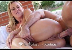 Video porno x videos fodendo linda loira