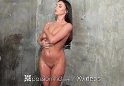 Porno cariica com safada boa na transa